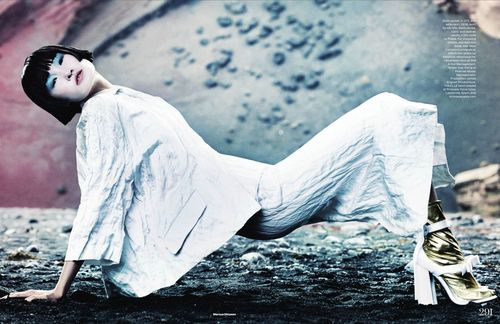 9-WANG_XIAO_ELLE_UK_MARCH_2013_MARCUS_OHLSSON-290-291