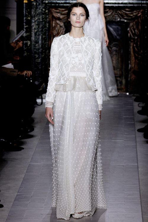 1-AVA_SMITH_VALENTINO_COUTURE_SPRING_2013_GO_RUNWAY-22