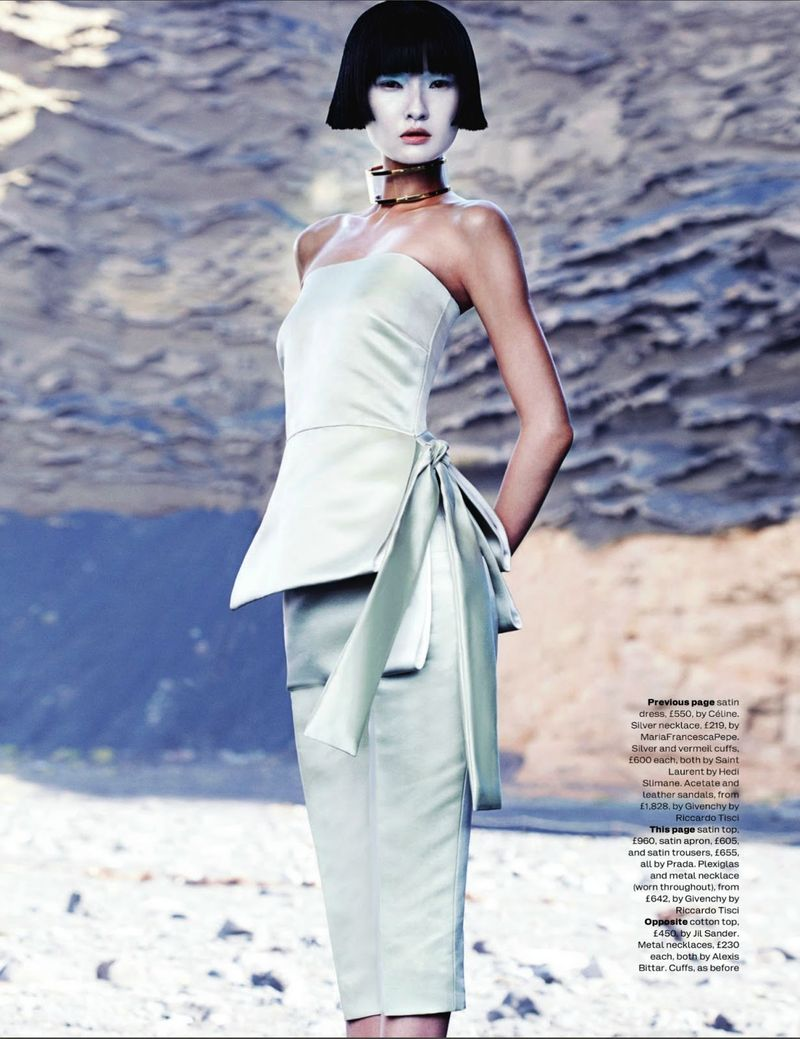 2-WANG_XIAO_ELLE_UK_MARCH_2013_MARCUS_OHLSSON-282